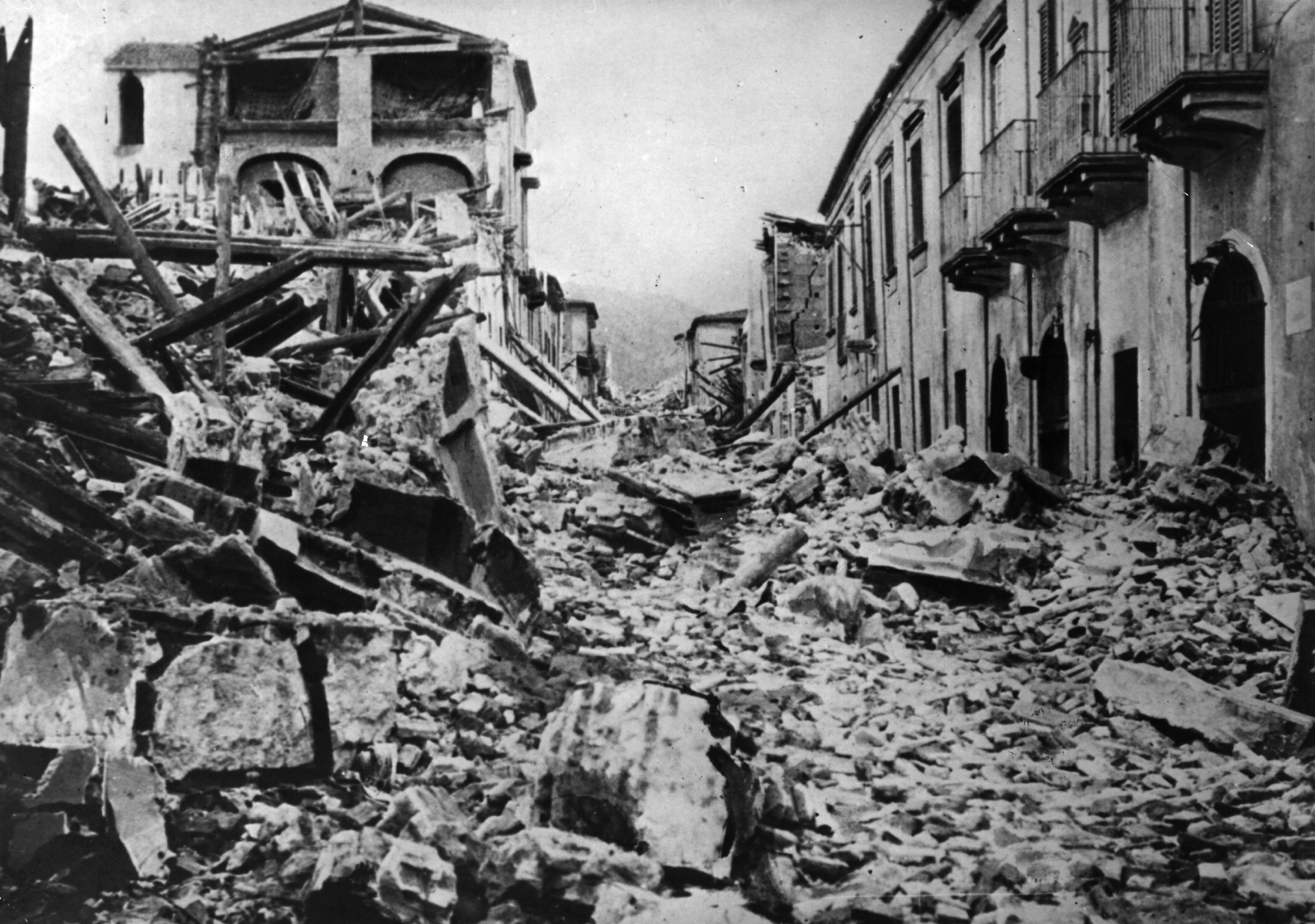 Aftermath of a tsunami in Messina in 1908