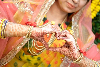Mehendi Or Henna Dye History And Religious Significance