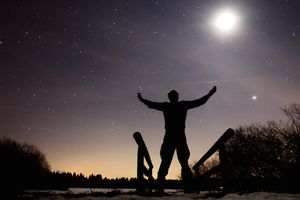 Many Alexandrian Wiccans perform regular rituals at the full moon.