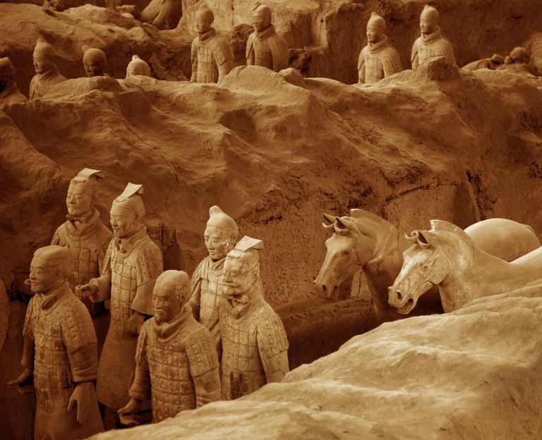 Qin Shihuangdi's buried clay terracotta warriors