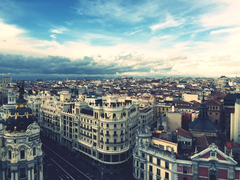A Guide to Navigating in Spanish