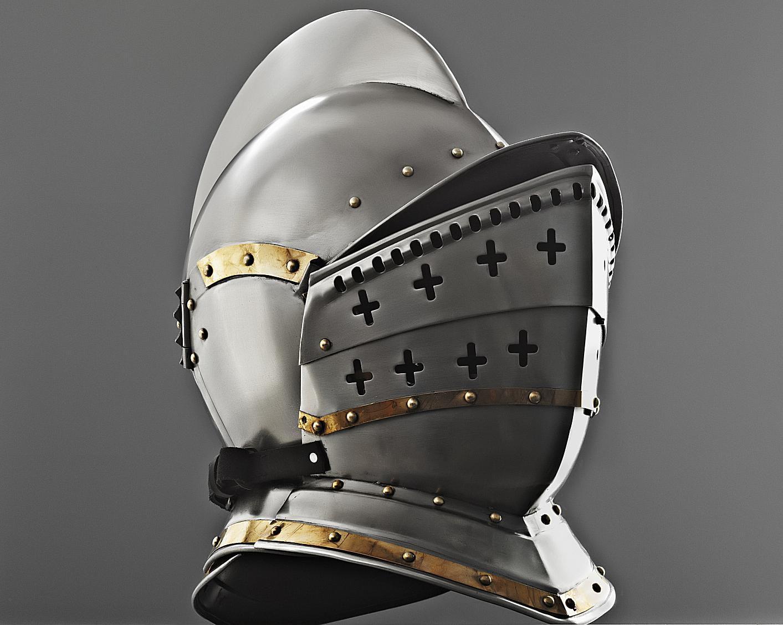 A knight's helmet