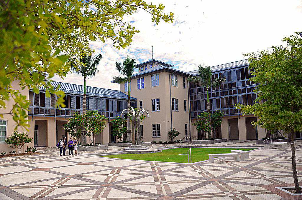 Academic Center and Plaza at New College of Florida