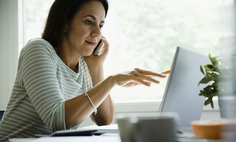 woman-at-computer-lge.jpg