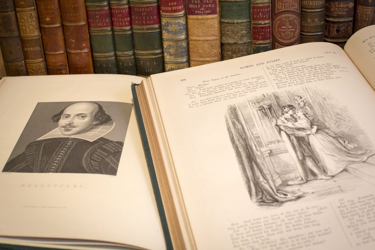 books open showing shakespeare and romeo and juliet