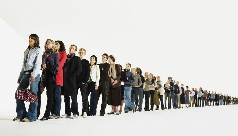 Las esperas migratorias o de consulados pueden ser largas