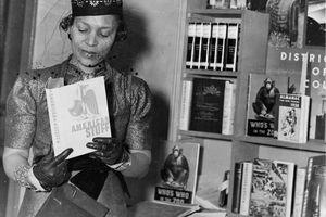 Zora Neale Hurston at a book fair, New York, circa 1937.