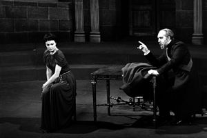 Vivien Leigh performs onstage as Antigone in 1949 alongside George Ralph as Creon