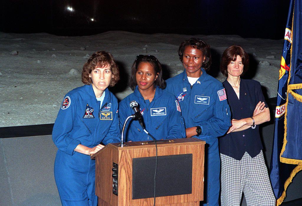 Women in Space Forum, 1999 - Ellen Ochoa, Joan Higginbotham, Yvonne Cagle, Sally Ride