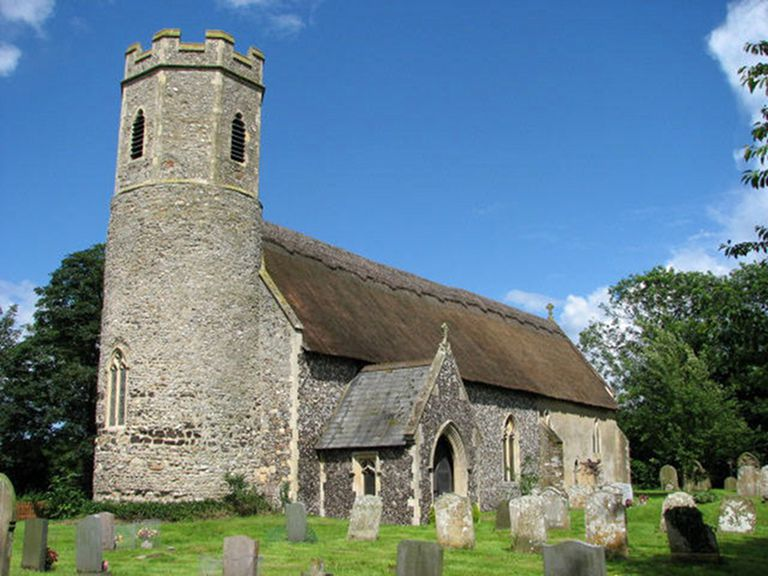 Church in Mautby with cemetery