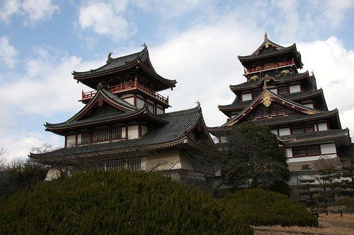 Fushimi was built by Toyotomi Hideyoshi, who reunited Japan after the Warring States Period.