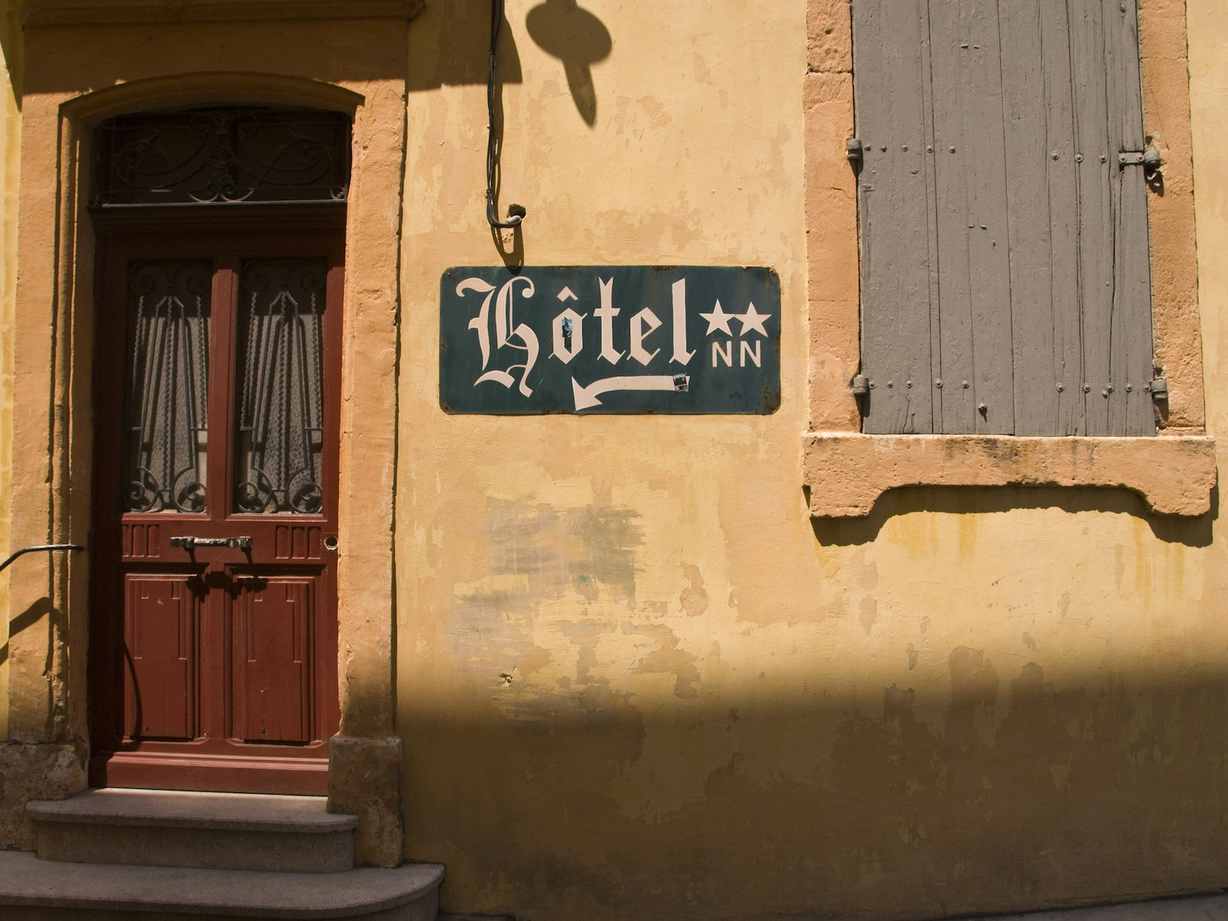 French Vocabulary Lesson: A Traveler's Hotel Stay