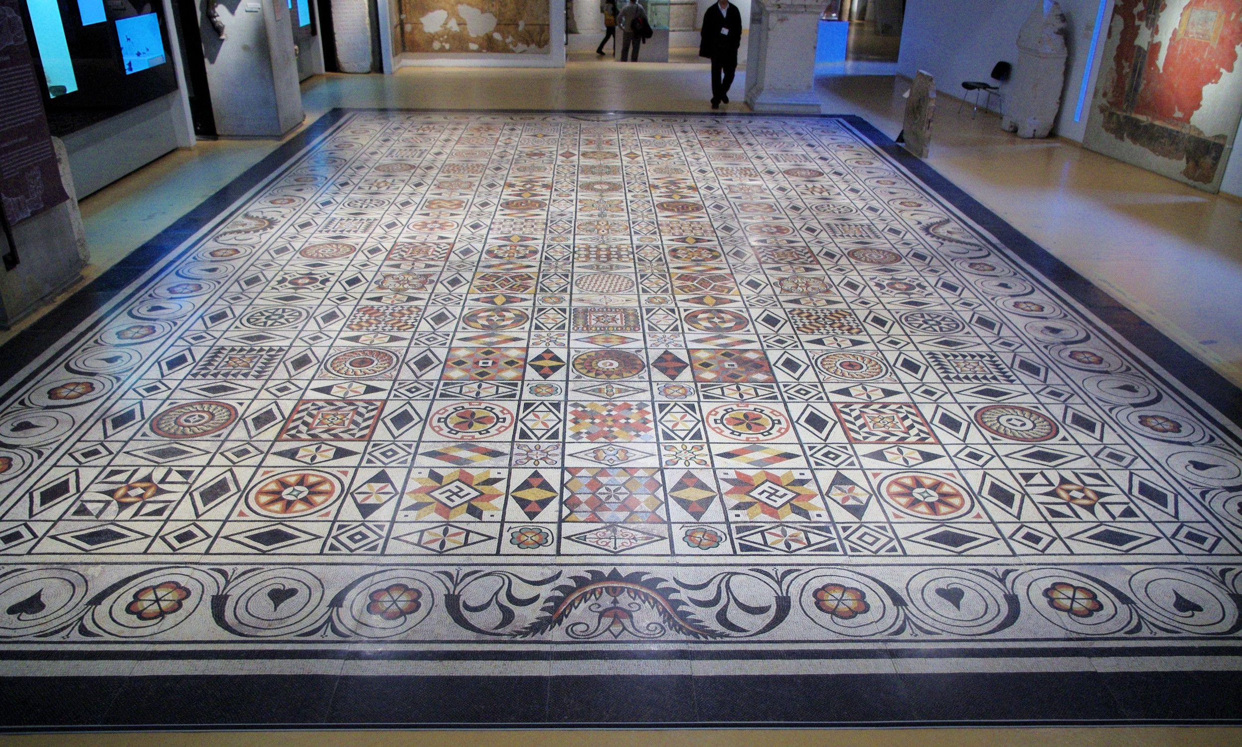 Époque romaine Mosaïque dans le musée gallo-romain de Lyon