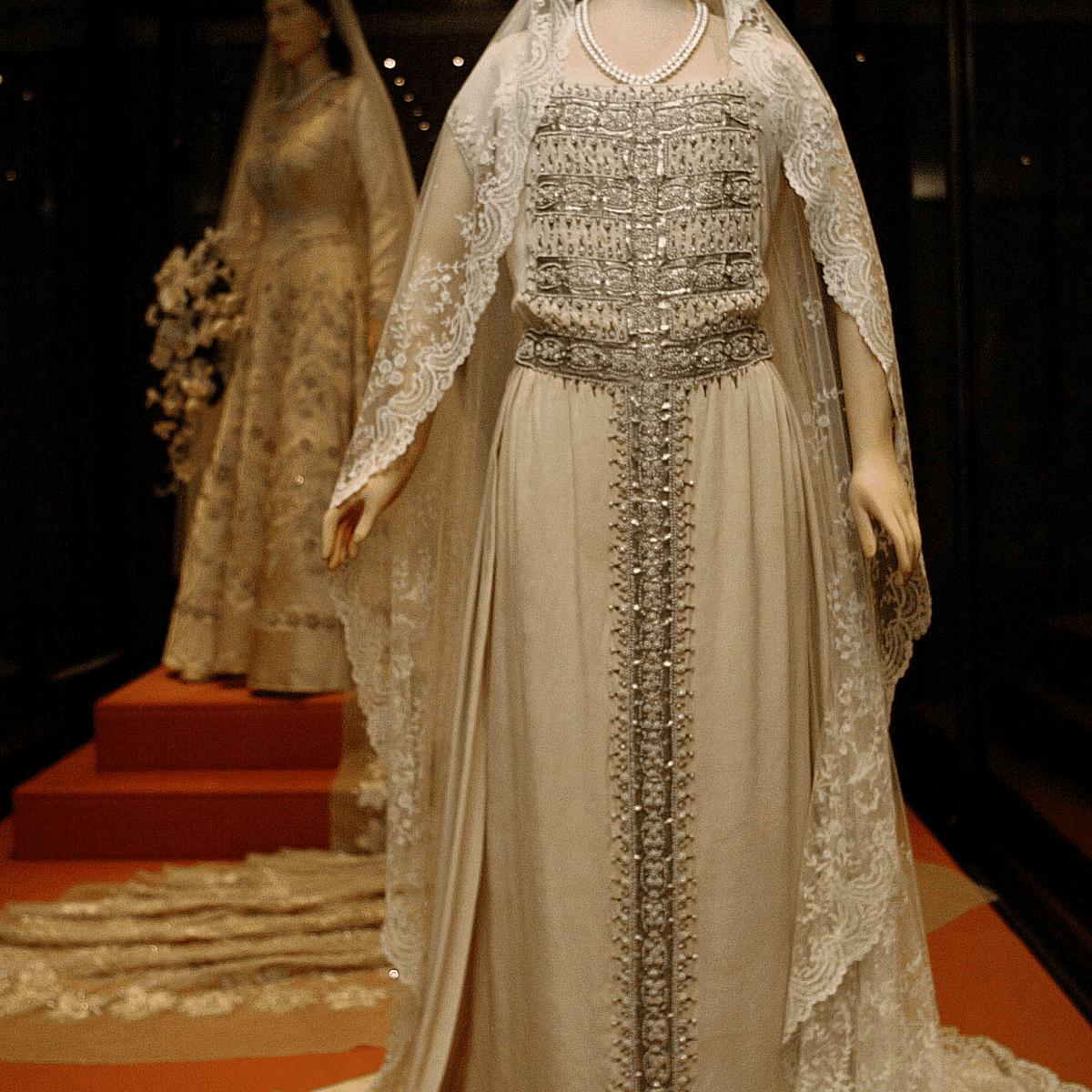 ウェディングドレス-クイーンマム