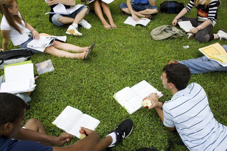 Estudiantes internacionales en un campus de Estados Unidos