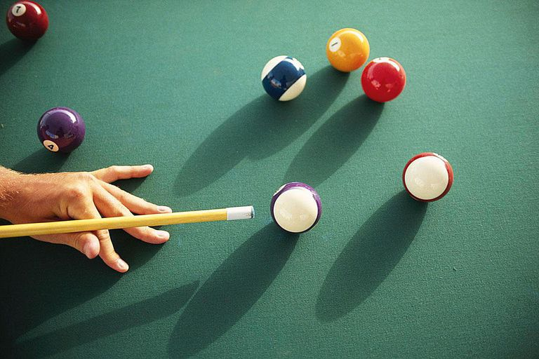 Choosing A Smart Pool Cue - Cue master pool table