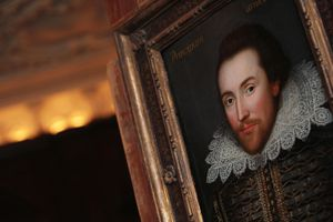 A portrait of William Shakespeare is pic