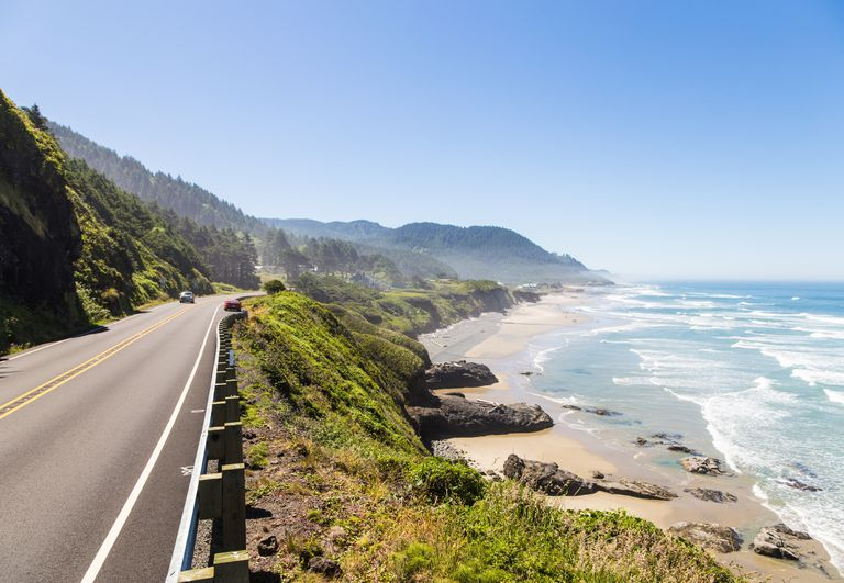 On the road along the stunning Pacific coast in Oregon, USA