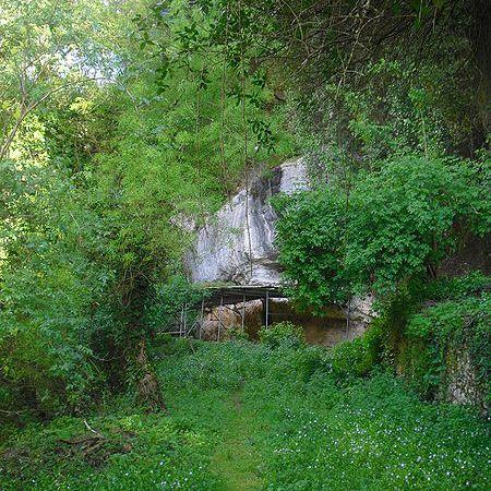 Lagar Velho Cave, Portugal