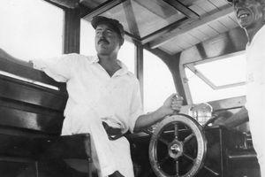Ernest_Hemingway_and_Carlos_Gutierrez_aboard_Pilar,_Key_West,_1934.jpg