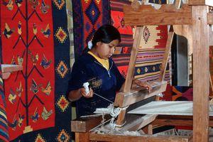Weaving Zapotec Rugs in Teotitlan del Valle