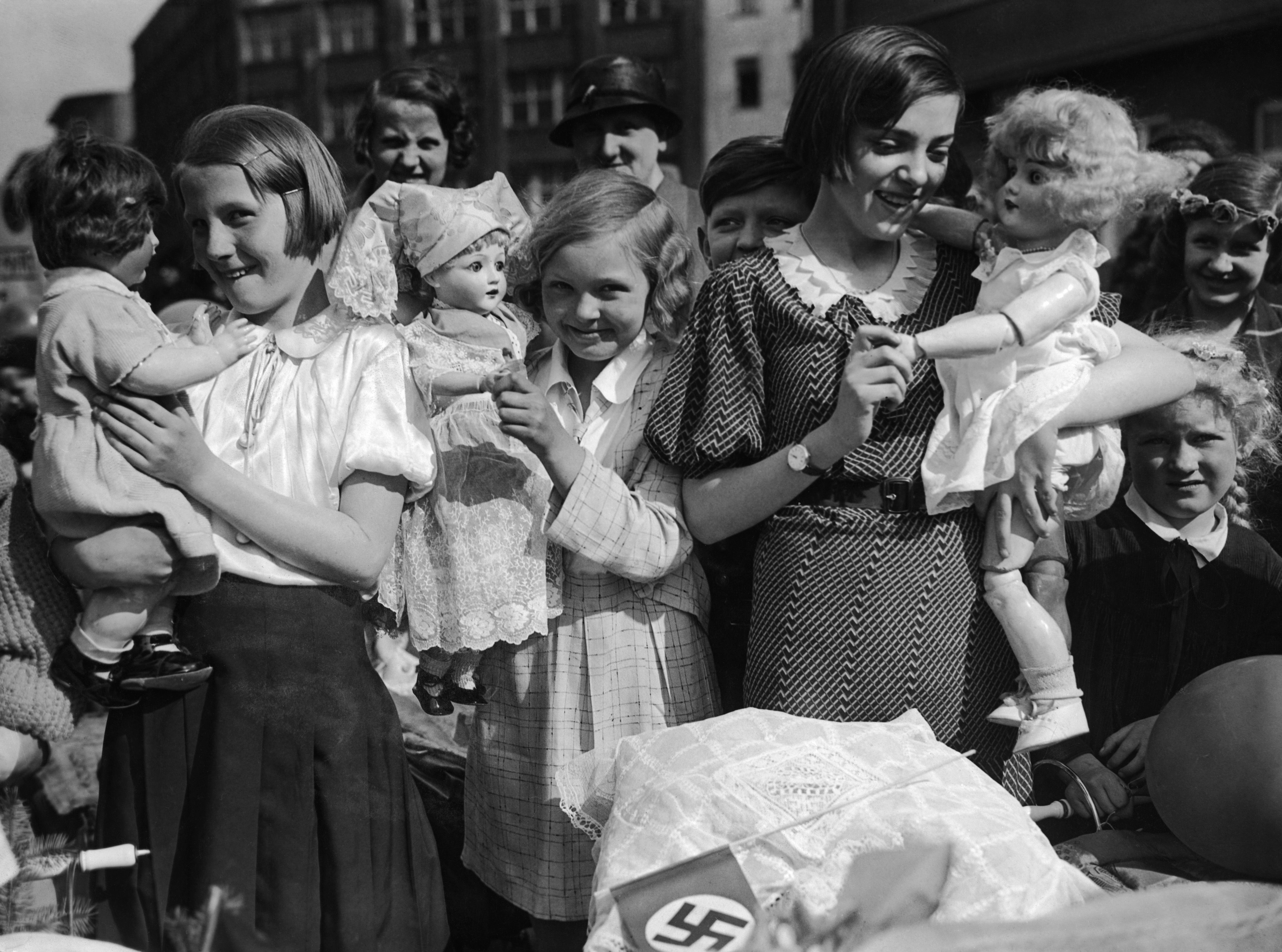 The Nazis And Women: Kinder, Küche, Kirche:
