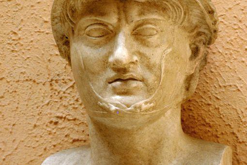 Pyrrhus of Epirus. Artist: A Lorenzini