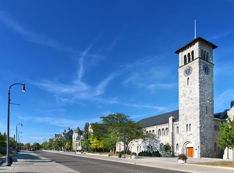 Grant Hall and Street Queen's University Kingston