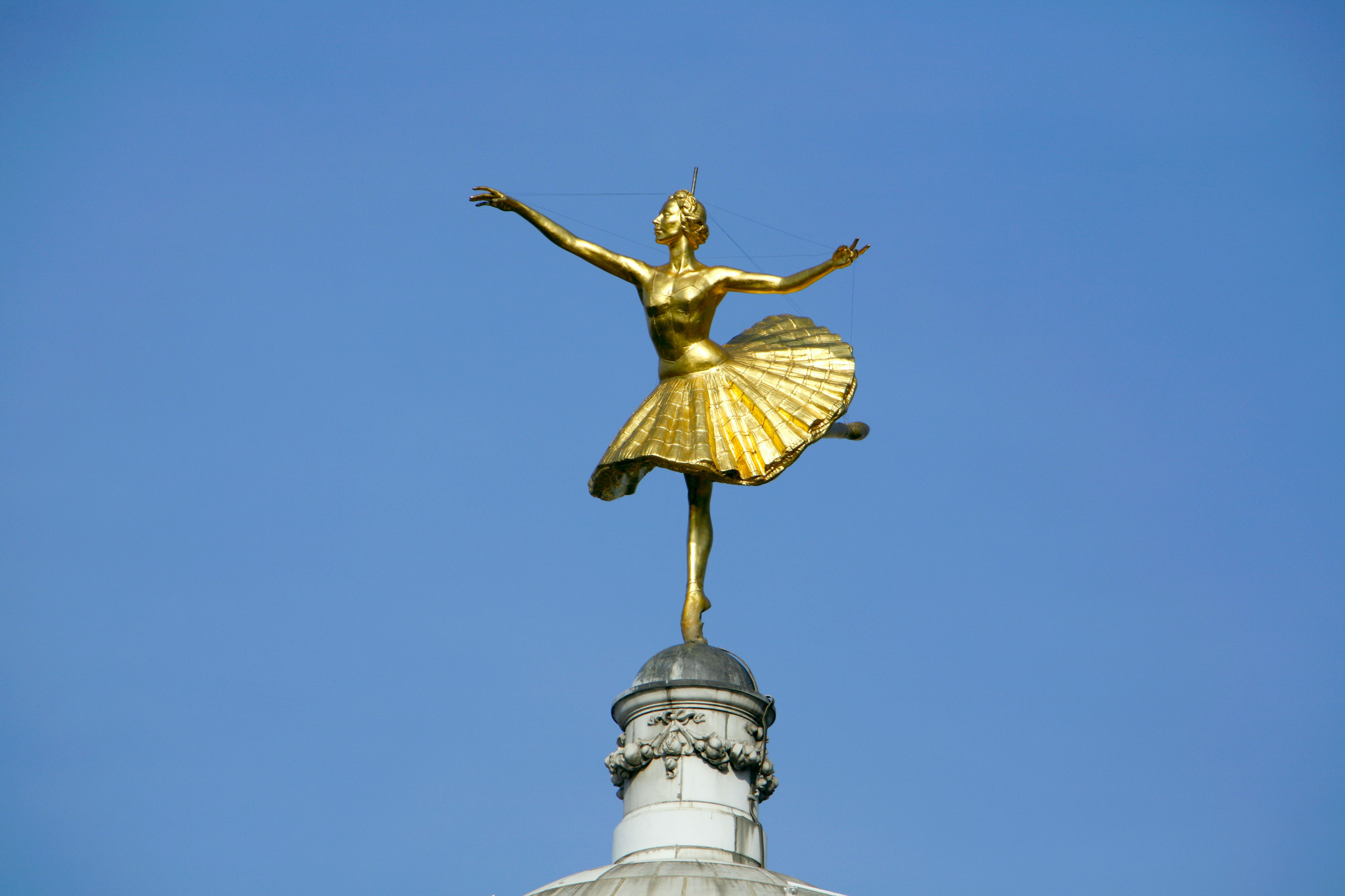 Statue Of Prima Ballerina Anna Pavlova On Top The Victoria Palace Theatre In