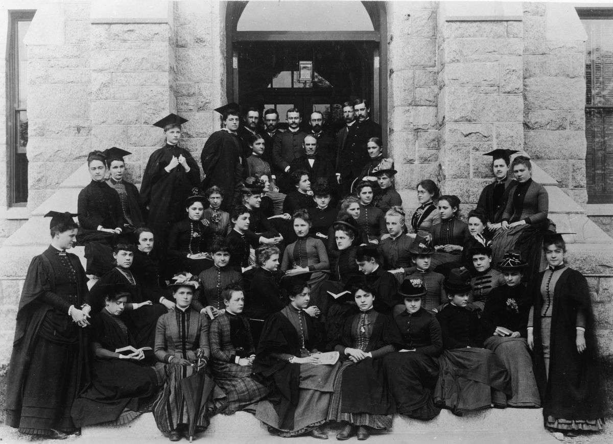 Black and white photo of Bryn Mawr College