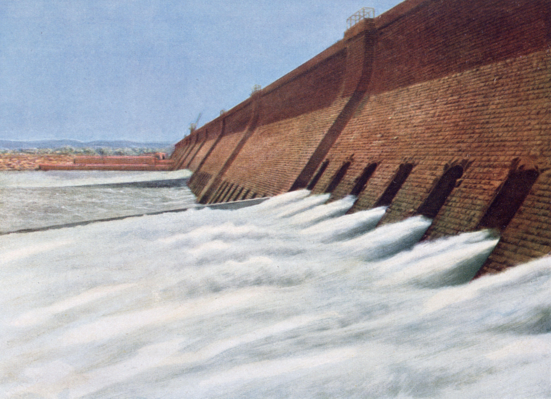 Aswan Dam of Egypt in the 20th century