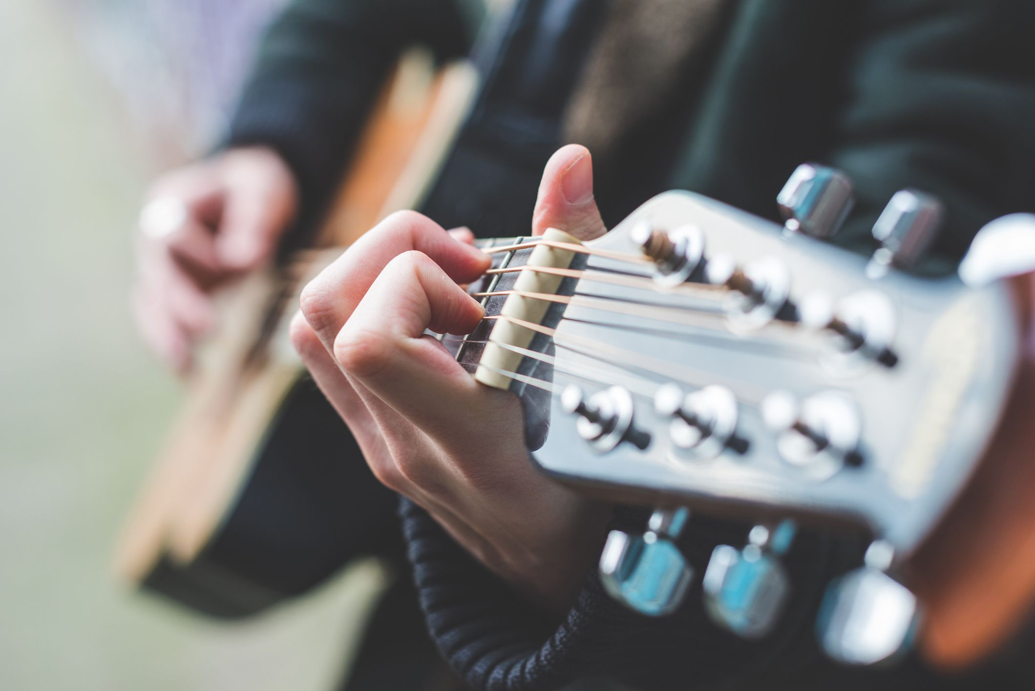 10 Easy Country Songs To Learn On Guitar In 15 Minutes