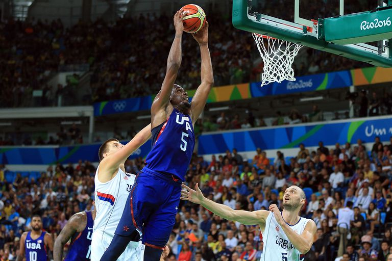 Kevin Durant of the USA dunks the ball during the Gold medal game between Serbia and the USA at the Rio 2016 Olympic Games