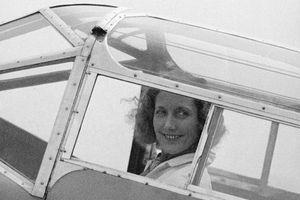Beryl Markham in her plane