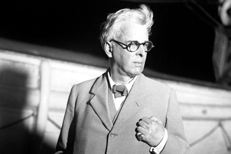 Yeats arriving by ship in New York in 1932