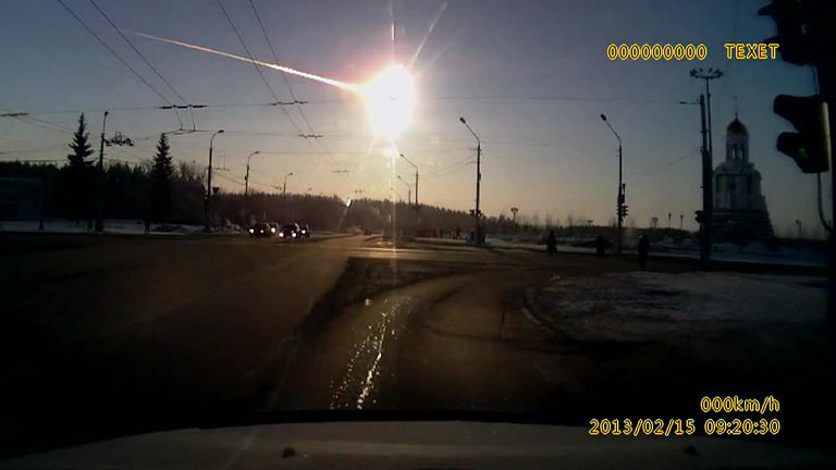 Chelyabinsk meteor as seen from a dash cam.