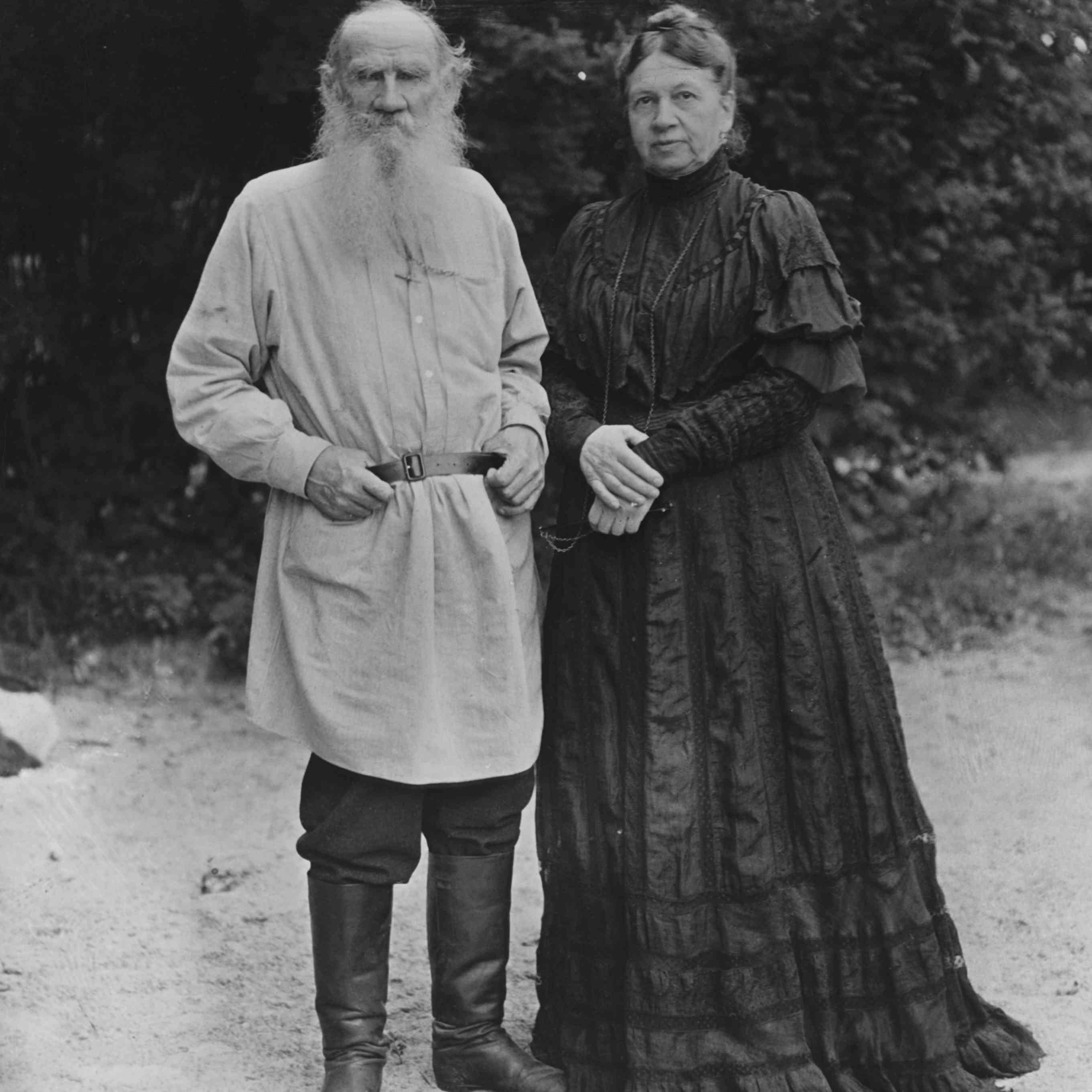 Photo of Leo Tolstoy and his wife Sonya