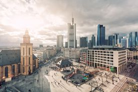 Frankfurt main squares
