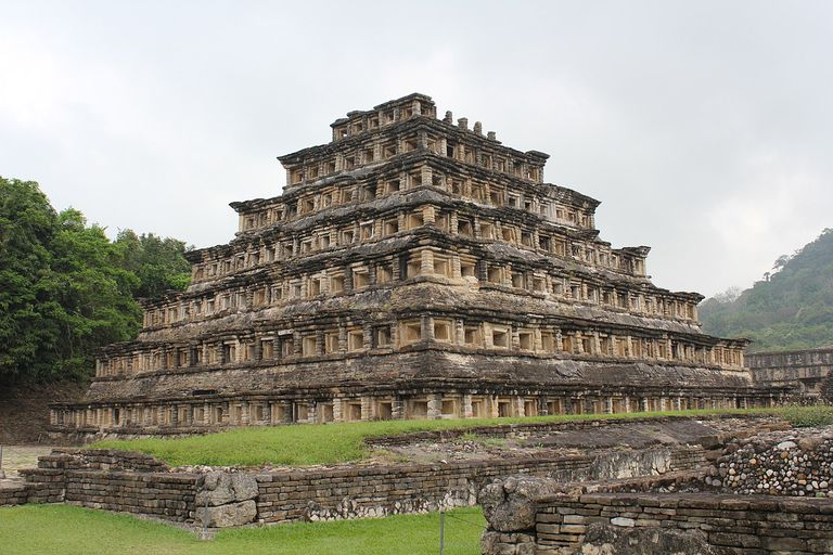 El Tajin, Pyramid of the Niches (south-west side)