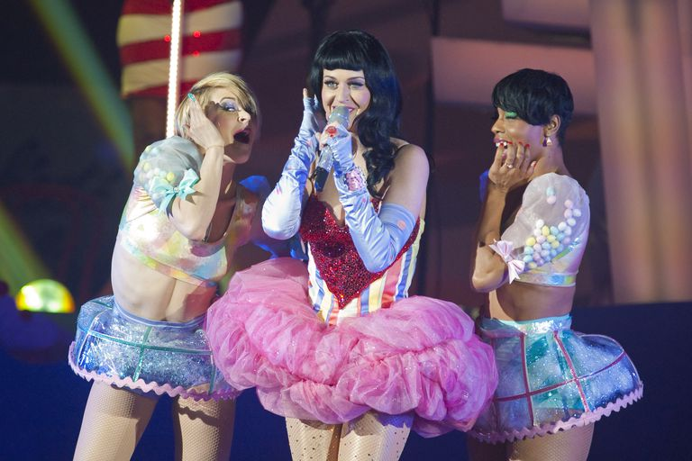 Katy Perry Kicks Off Her 'California Dreams' UK Tour In London