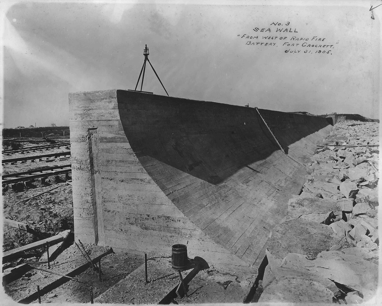 Galveston seawall under construction, July 31, 1905