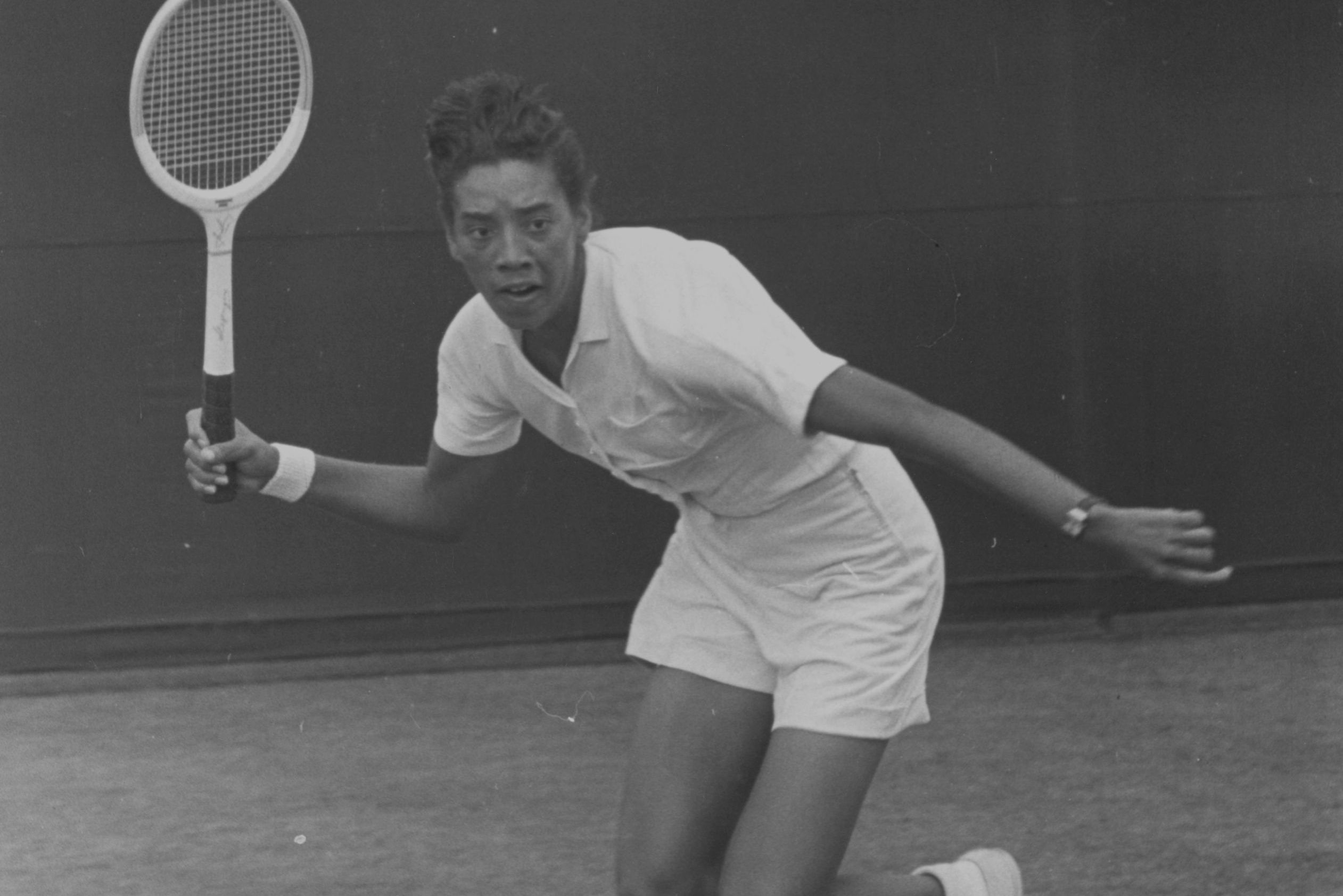 a biography of althea gibson an american tennis player Althea gibson was a tennis player and later professional golfer who became the first african american woman to cross the racial barrier and compete professionally in both sports she was born on august 25, 1927 in south carolina.