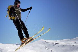 """skiing in Spain for lesson on the Spanish phrase """"a pesar de"""""""