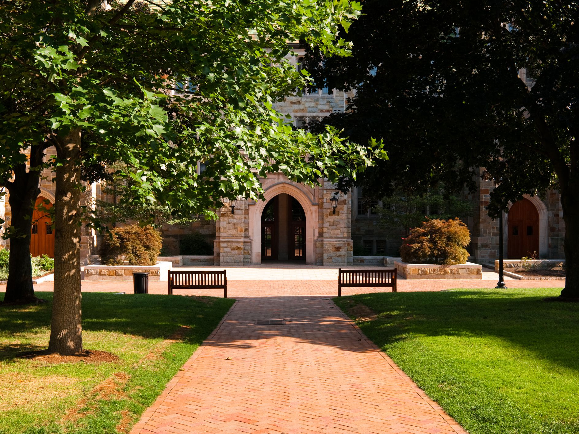 Explore Campuses From Home With These 20 Virtual College Tours