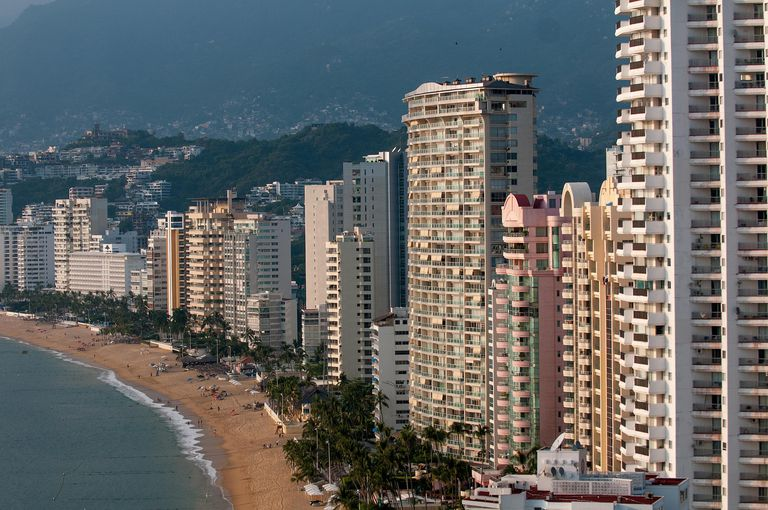 Acapulco beach for Spanish lesson on translating by