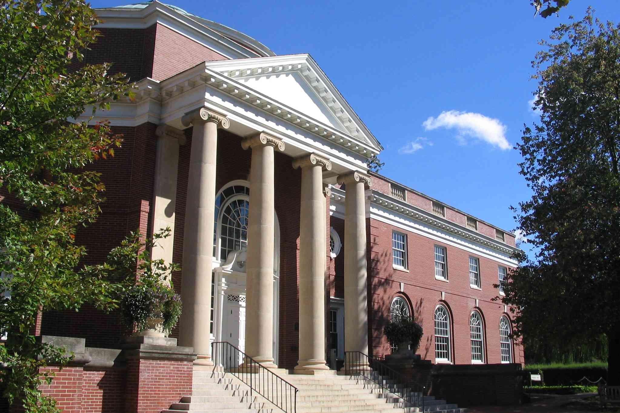 Trinkle Hall at the University of Mary Washington