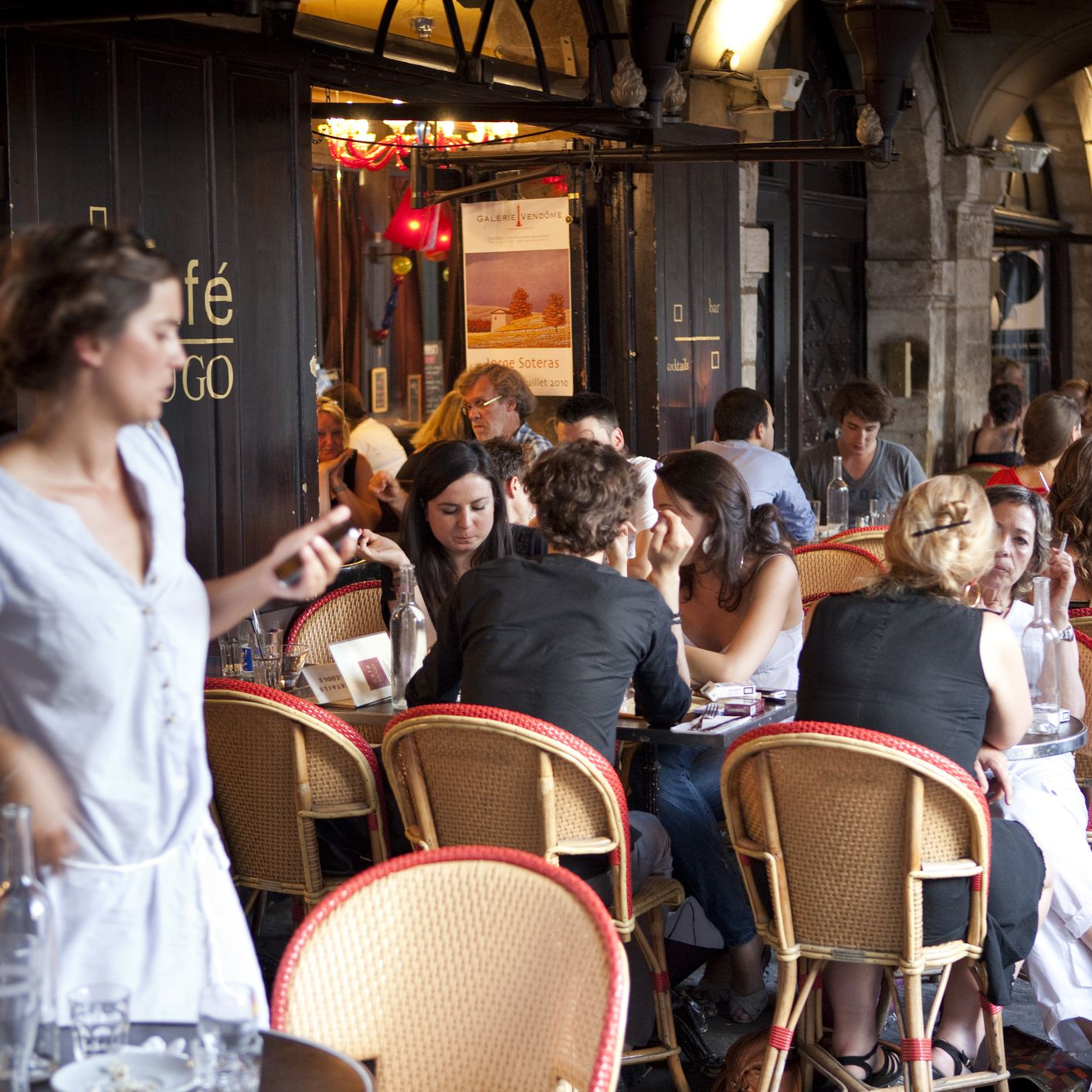 Must-Know Vocabulary for French Restaurant Dining