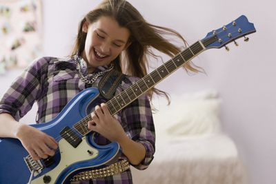 the 10 first songs you should learn on guitar. Black Bedroom Furniture Sets. Home Design Ideas