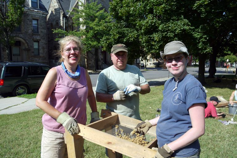 Archeological Society of Maryland Helping Out at Lafayette Square