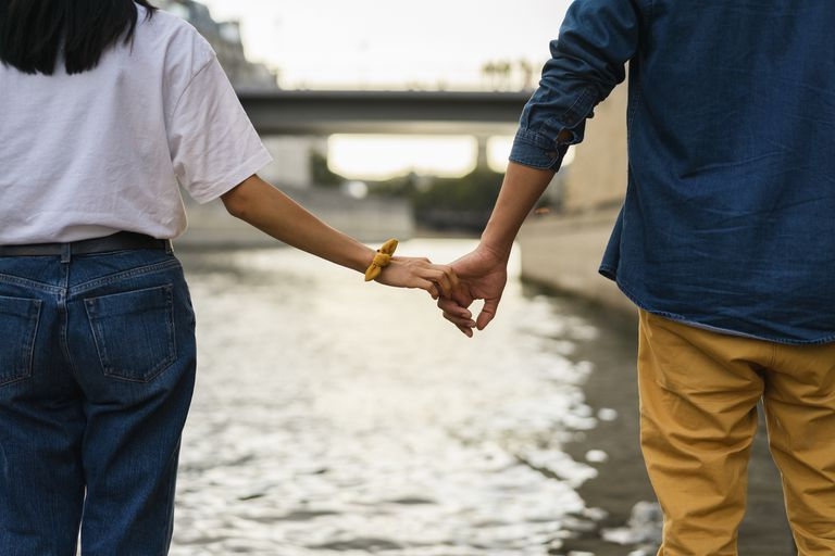 Adult Attachment Styles: Definitions and Impact on Relationships